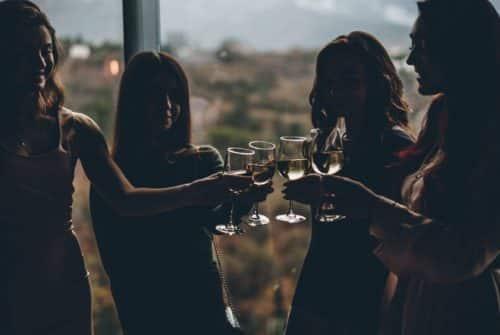 Comment passer une soirée inoubliable à Paris avec des amis ?